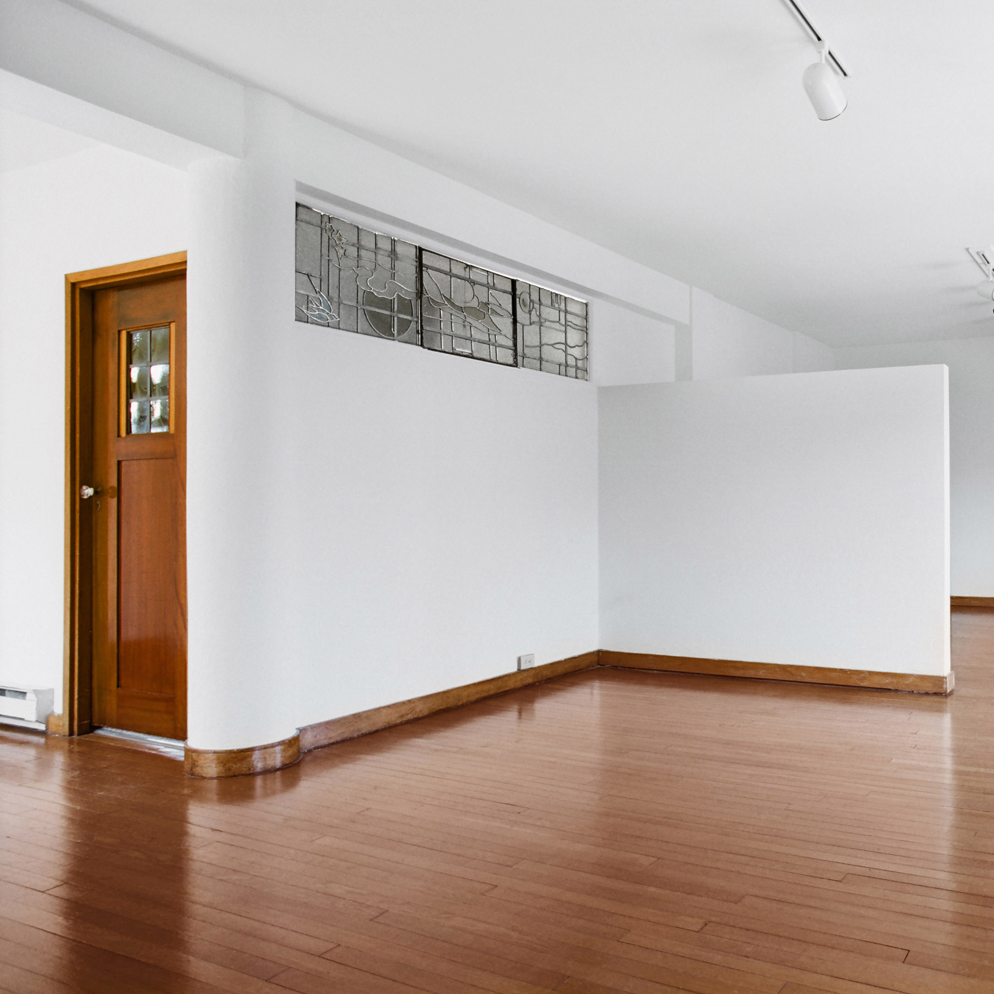interior of 340 S. Highland Ave, Apt. 5A 2
