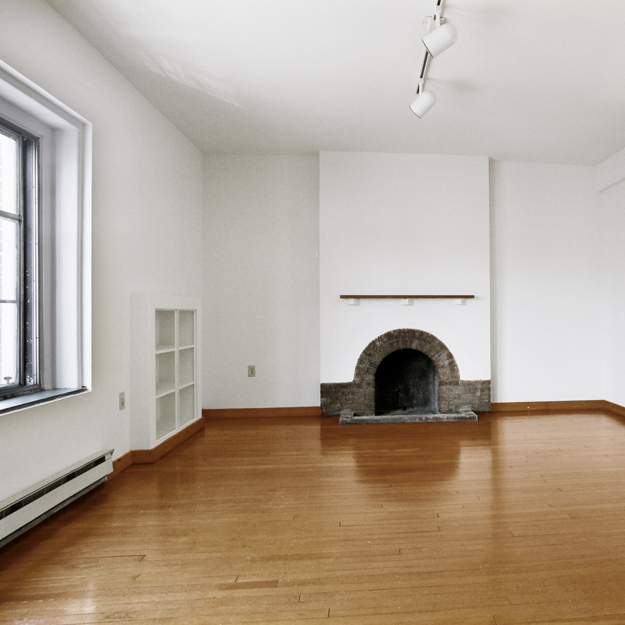 interior of 340 S. Highland Ave, Apt. 5A 3