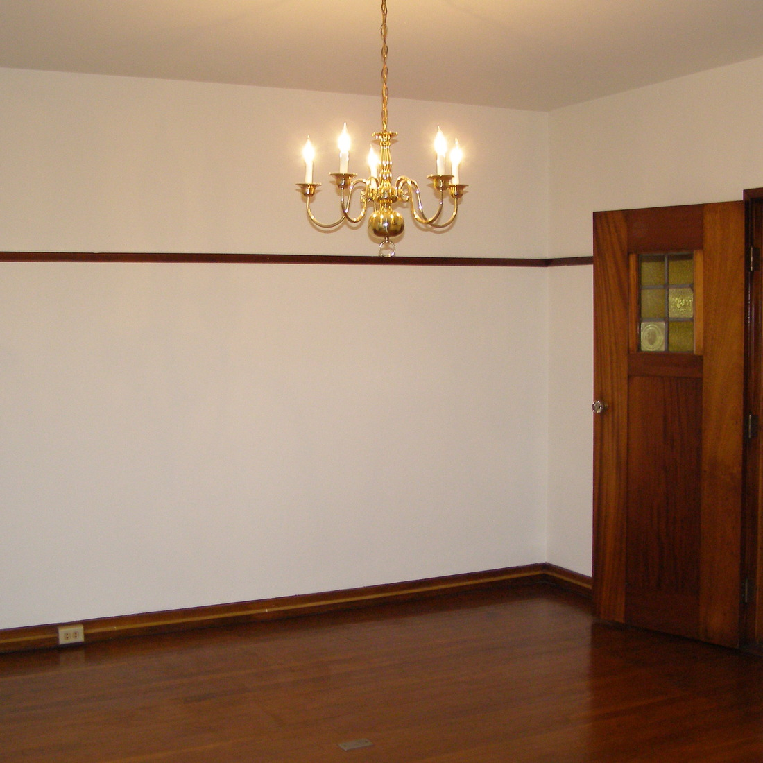 interior of 342 S. Highland Ave, Apt. 11A 4