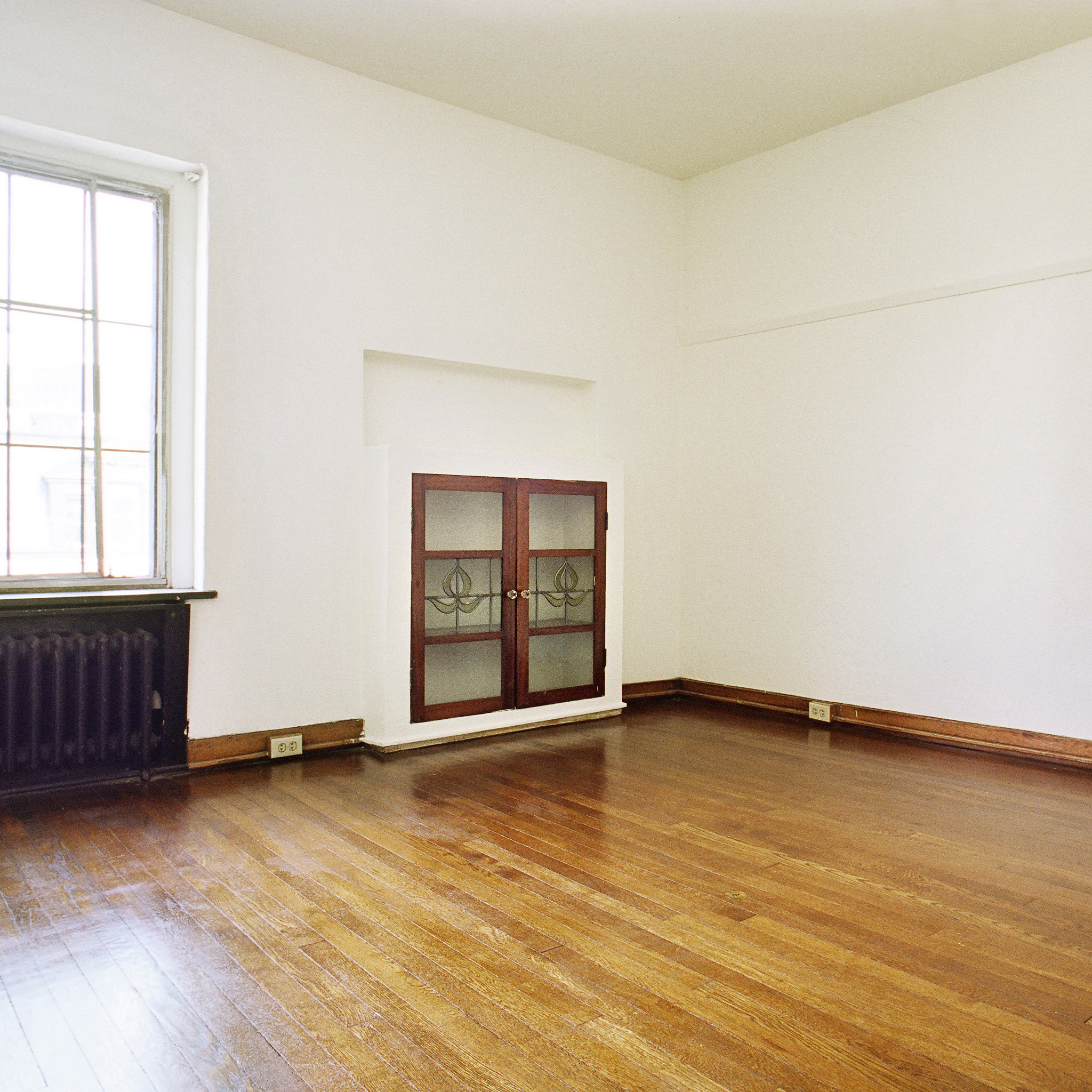 interior of 342 S. Highland Ave, Apt. 15A 2