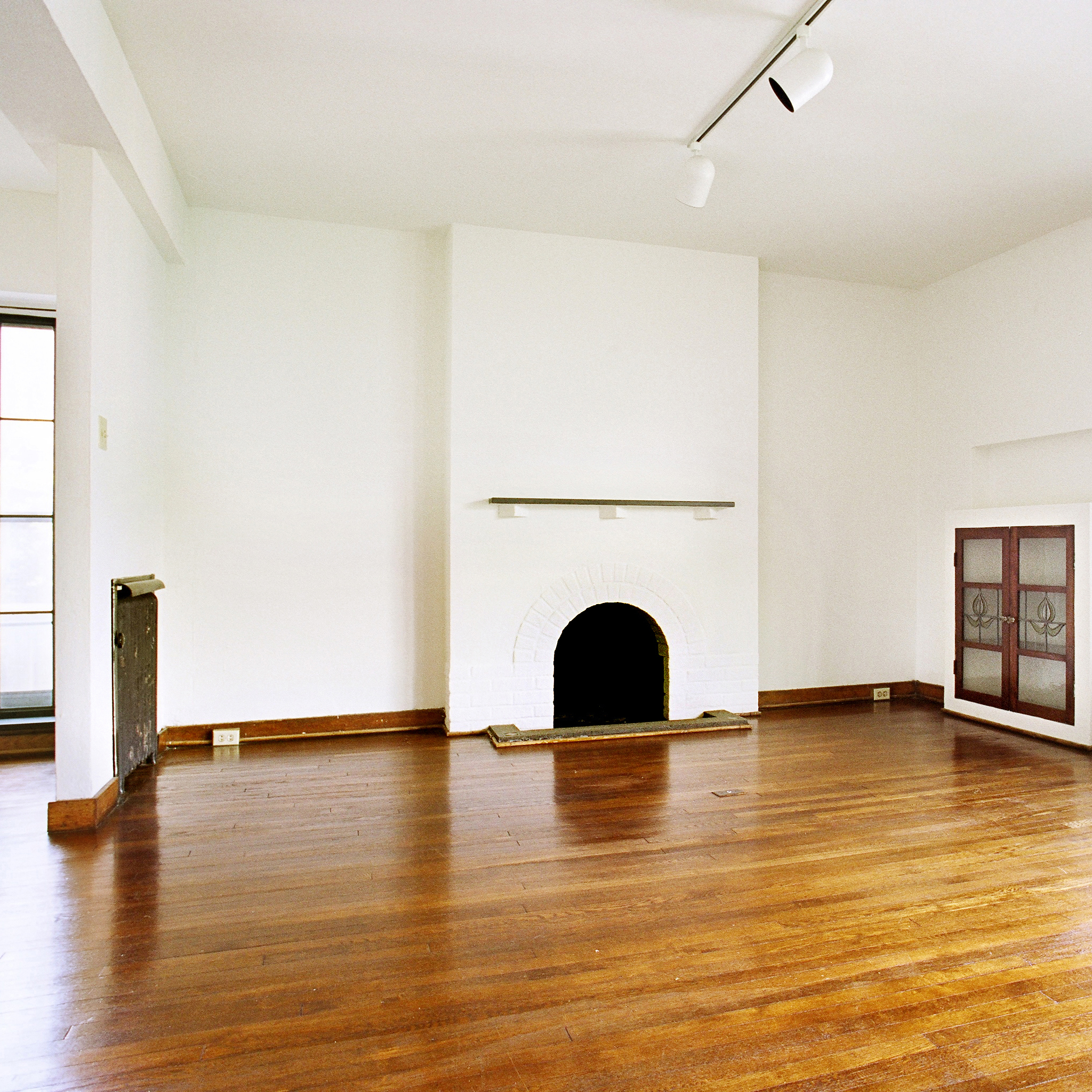interior of 342 S. Highland Ave, Apt. 15A 1