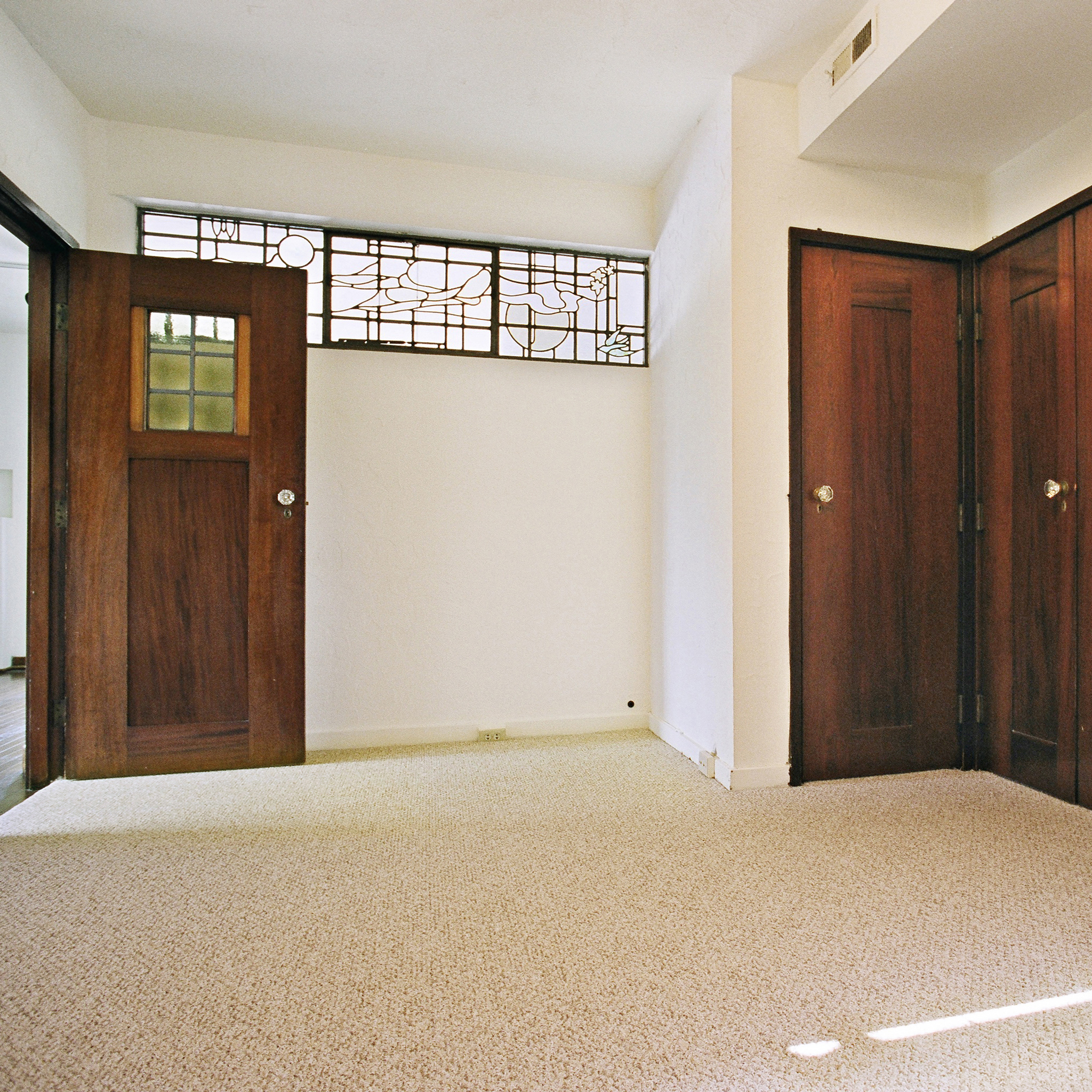 interior of 342 S. Highland Ave, Apt. 15A 7