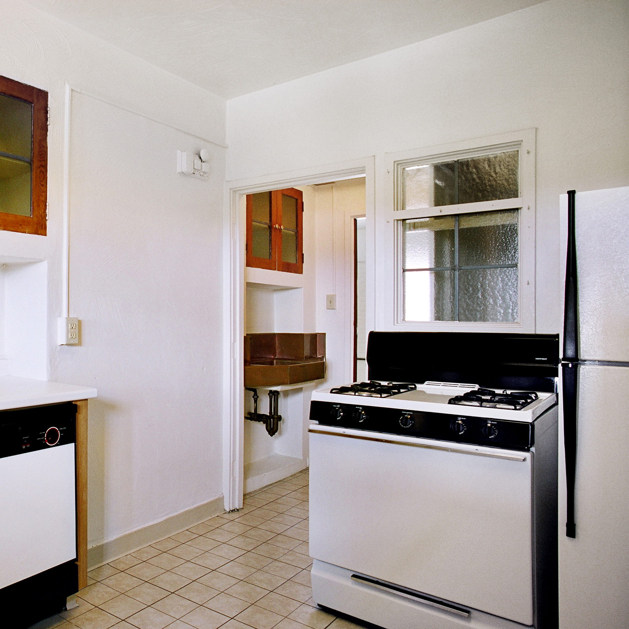 interior of 342 S. Highland Ave, Apt. 15A 8
