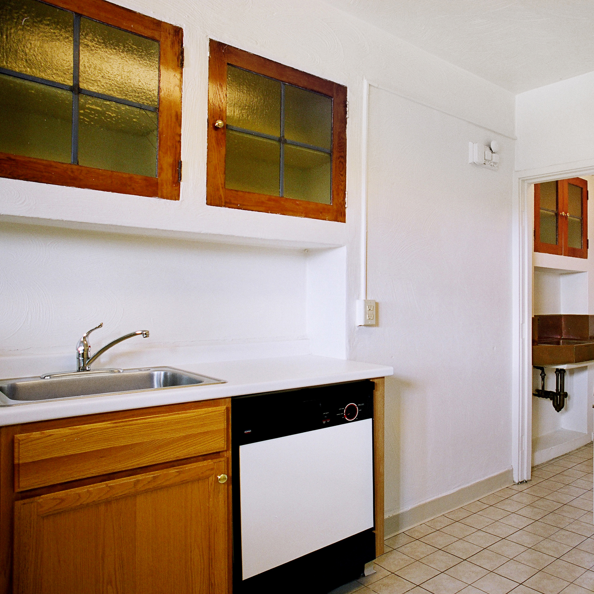 interior of 342 S. Highland Ave, Apt. 15A 9