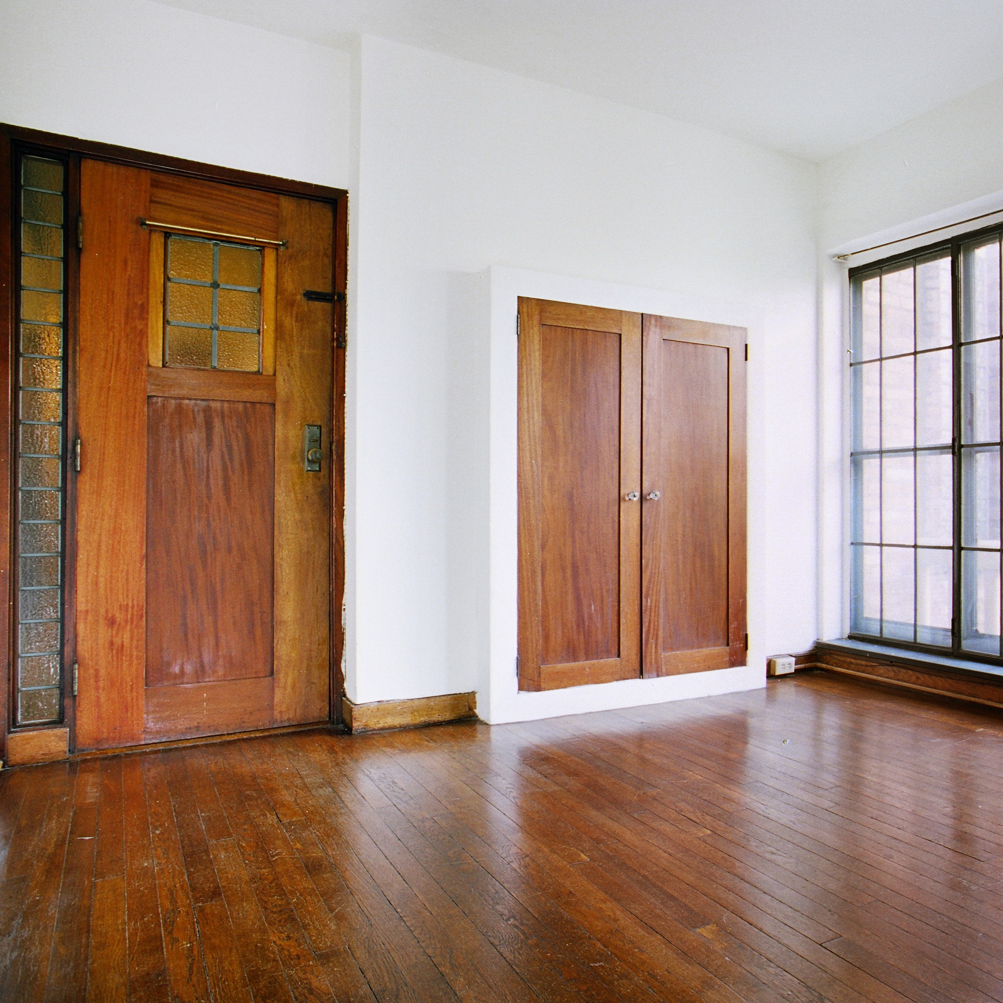 interior of 342 S. Highland Ave, Apt. 15A 5