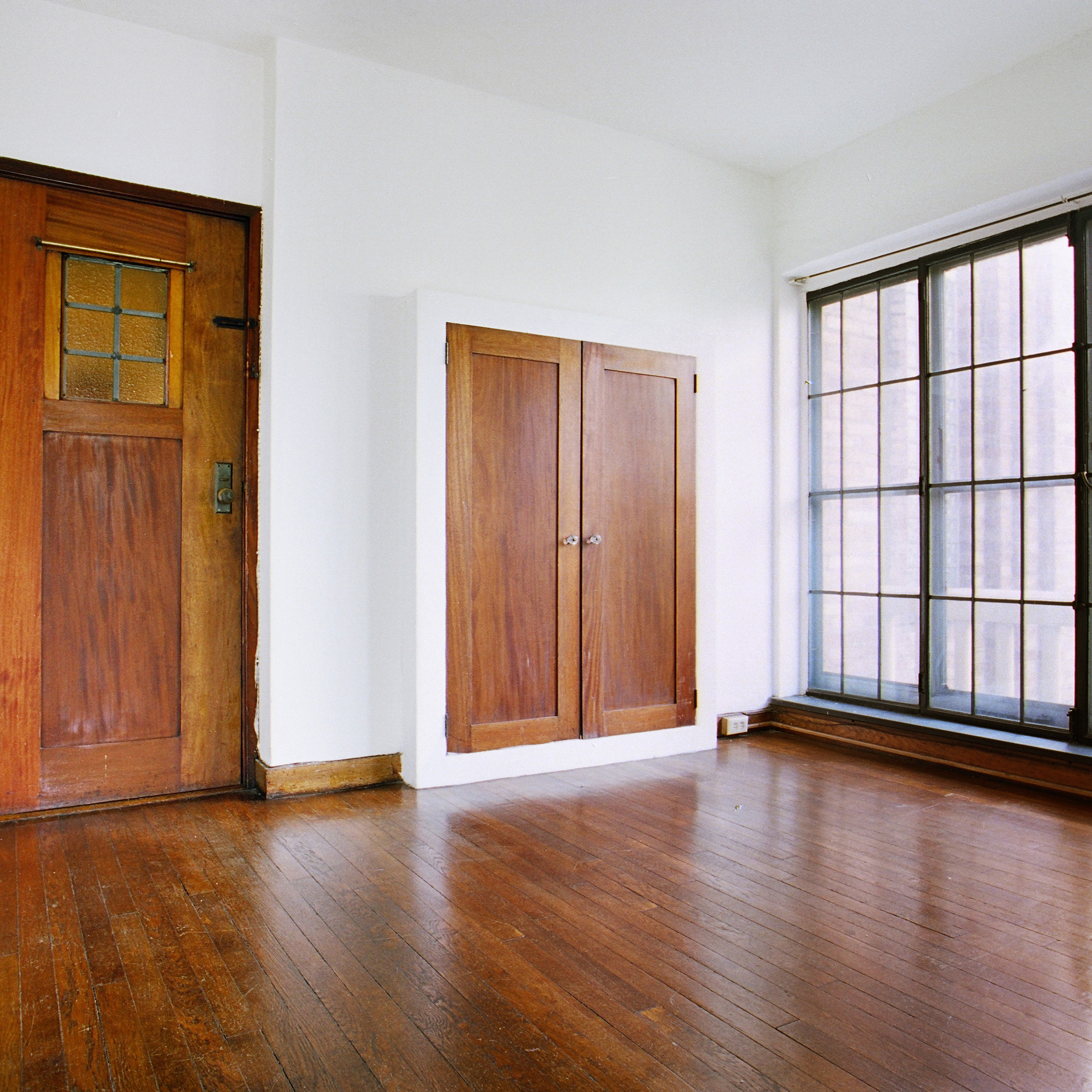 interior of 342 S. Highland Ave, Apt. 15A 4