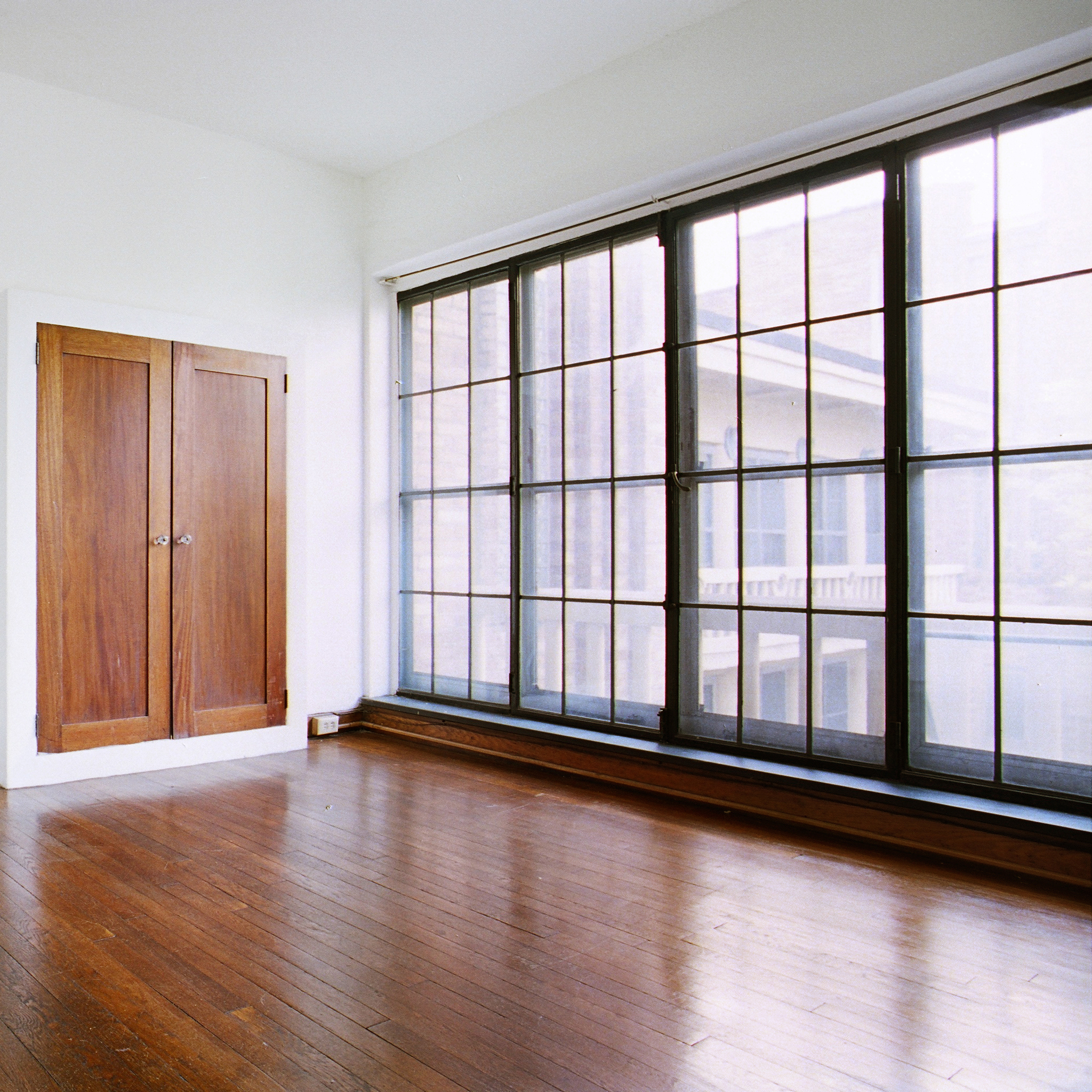 interior of 342 S. Highland Ave, Apt. 15A 6