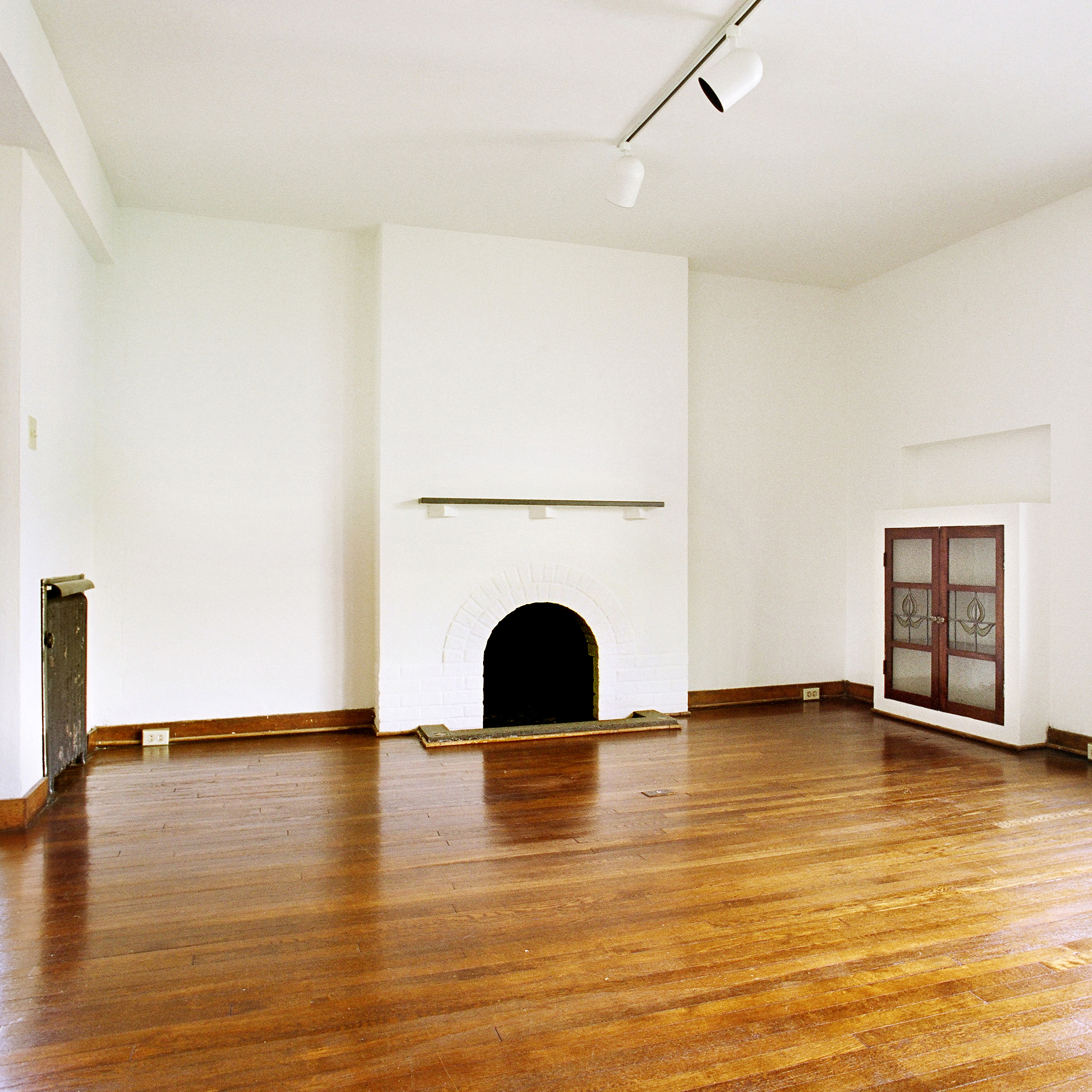 interior of 342 S. Highland Ave, Apt. 15A 3